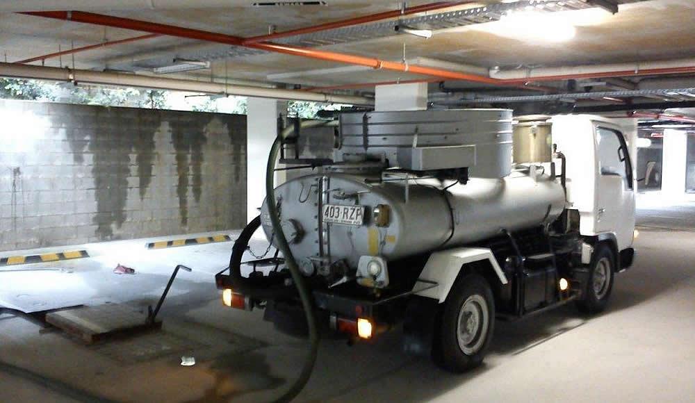 low clearance vacuum tanker